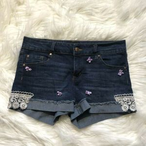 Celebrity Pink Short Embroidered Jeans Shorts .EP3